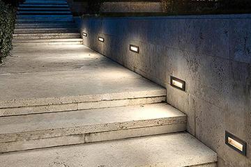 LED aisle corner light